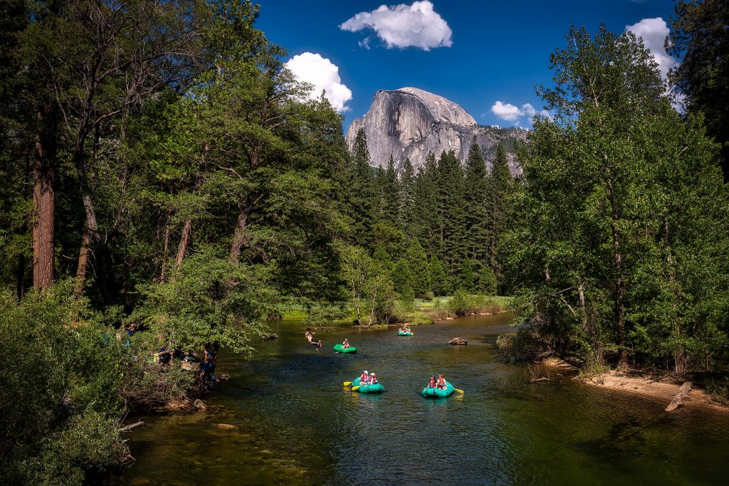 Yosemite National Park, California.  #yosemitewithkids #fulltimetravelwithkids #yosemitenationalparkwithkids #yosemitenationalparkcamping #yosemitenationalparkcalifornia #yosemitekids #yosemitevalleywithkids
