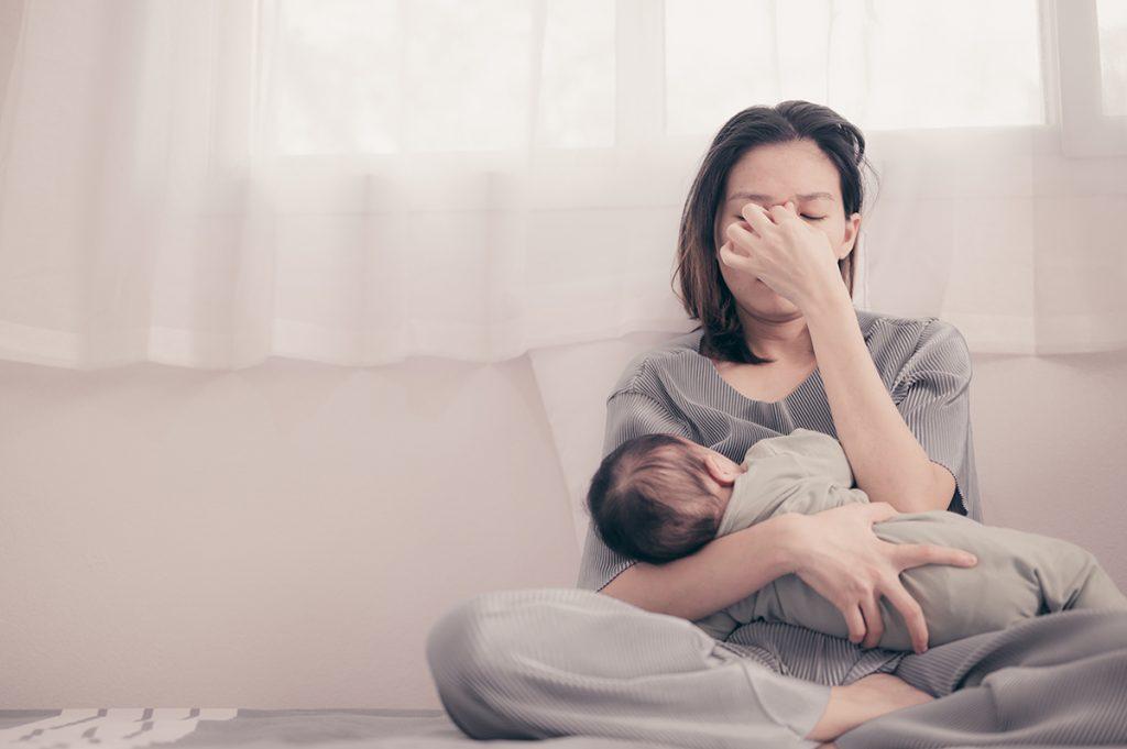 Postpartum Depression: Diagnosis, Symptoms, Treatment